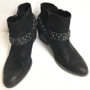 Crown Vintage Wendy Black Bootie Size 8.5
